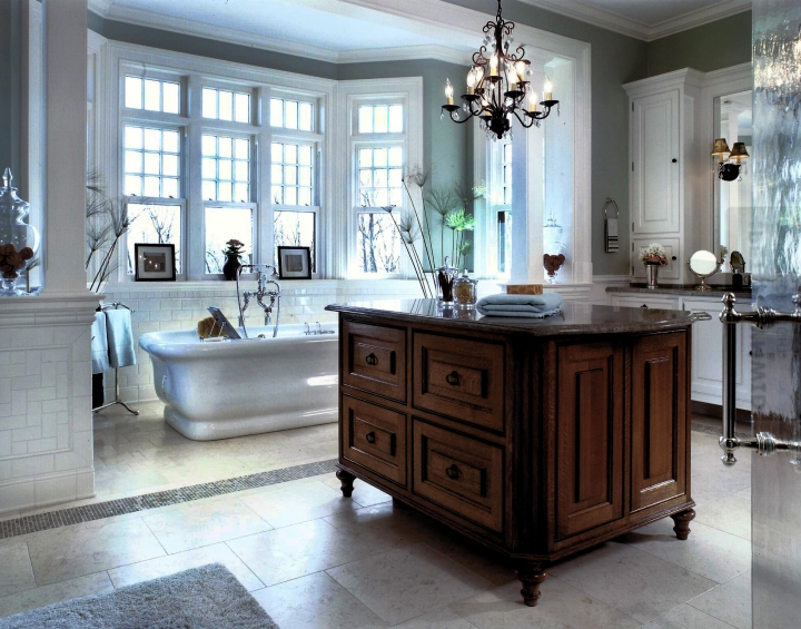 An all-white Peter Salerno Inc. bath design with cherry island. (Photo: Peter Rymwid)