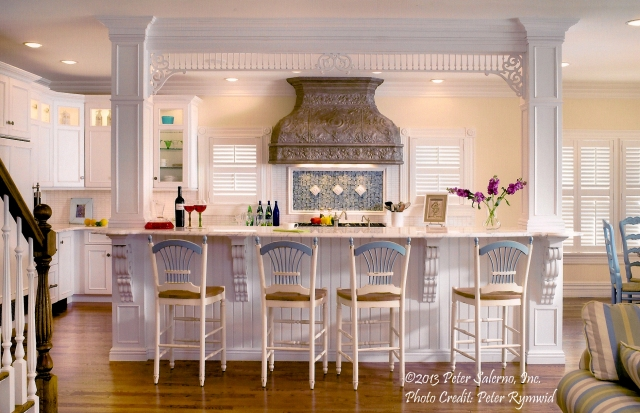 A custom Peter Salerno summer beach home kitchen design. (Photo credit Peter Rymwid)