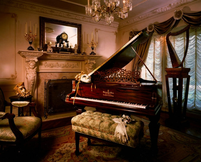 An intimate piano lounge designed by Peter Salerno, Inc.