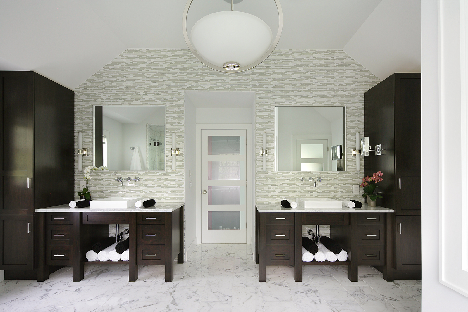 Award winning bathroom designs 2016 - An Award Winning White Transitional Bath Design From Peter Salerno Inc