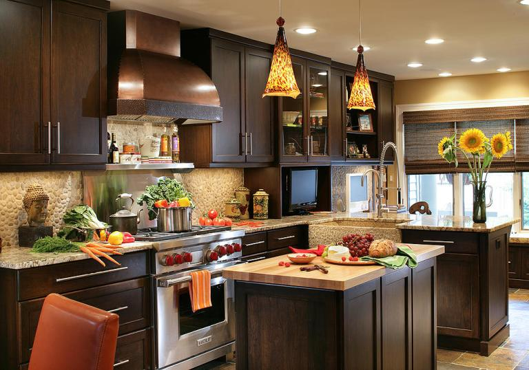 Maestro Rosolino cabinets: a hallmark of Peter Salerno Inc. custom kitchen design.