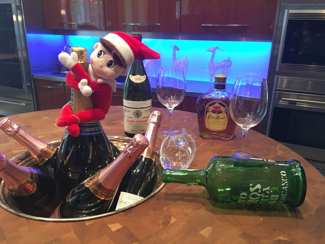 Elliot the Elf wishes you a Merry Christmas from Peter Salerno Inc.!