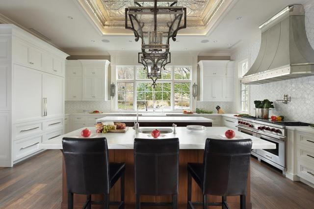 A recent Sub-Zero and Wolf article features Peter Salerno Inc.'s award-winning transitional kitchen.